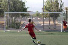 Thumbnail un campeur améliorant ses tirs dans notre camp international.