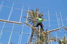 Thumbnail les campeurs de l'ISC Spain, lors d'une course d'obstacles