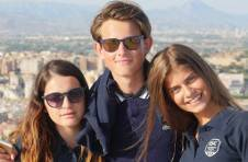 Thumbnail nos étudiants d'espagnol lors de l'excursion au château de Santa Barbara