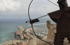 Thumbnail vue sur le port depuis le sommet du château de Santa Barbara