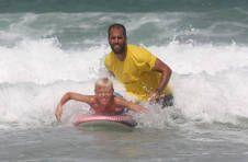 Thumbnail nos étudiants de surf s'amusant