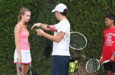 Thumbnail leçon au camp de tennis de l'ISC par un de nos enseignant.
